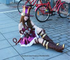 League of Legends Cosplay - Caitlyn Relaxing. by TineMarieRiis