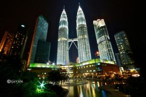 Petronas Twin Towers by Gerjen