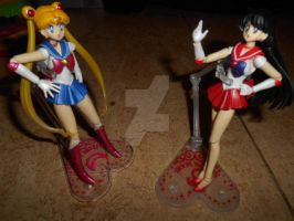 Sailor Moon vs Sailor Mars by Laura-Moon97