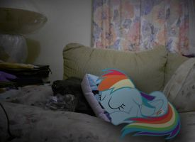 Sweet dreams, Dashie... by xxXSketchBookXxx