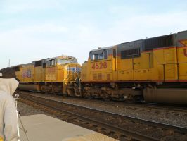 UP SD70M's 4833 and 4628 by BNSF