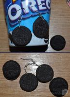 mini oreo earrings (tutorial) by trollwaffle