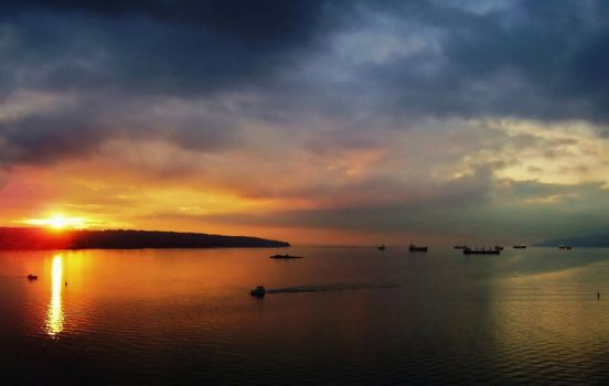 English Bay Sunset by DTherien