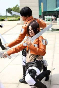 Side by side - Attack on Titan by shenbaki