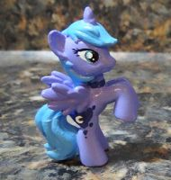 Luna custom figure by stripeybelly