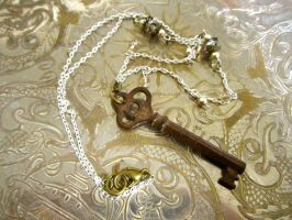 Antique Skeleton Key Necklace by thevampirepandora