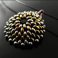 Beaded pendant - Metal reptile by CatsWire