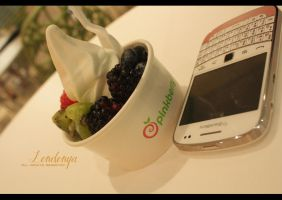 Pink Berry by Londonya