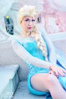Elsa snow queen by LauzLanille