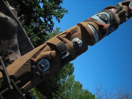 Totem by KLOrt73