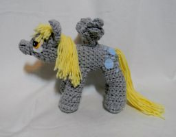 Derpy Hooves new pattern by gwilly-crochet