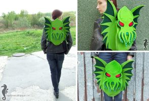 Cthulhu backpack by bt-v