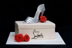 Stiletto and shoebox cake by Igasm