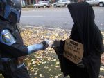 Help the Nazgul by burningdreams76
