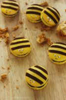 Honey Bee Macarons by cakecrumbs