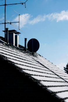 sun snow and a roof by himaen