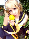 Kagamine Rin Cosplay by MeguLandia