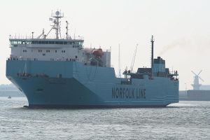 Maersk by Camera-Pete