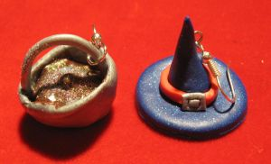 Witch hat+cauldron earrings by StregattaPuponzi