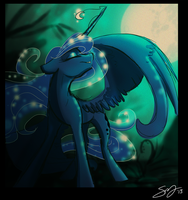 Luna by Famosity