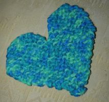 Another Wonky Knitted Heart by kizgoth