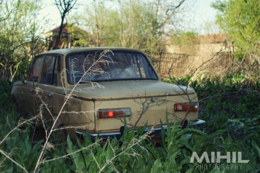 Forgotten Car by Mihil
