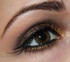 Triple winged eyeliner by Talasia85