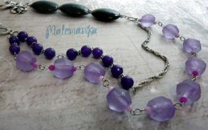 Sound of Violet necklace by motemanikabeads