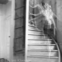 Nude descending a staircase by Luc53
