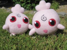 Igglypuff siblings by Naehmaschine