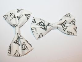 Harry Potter Bow by ZombieVoltaire