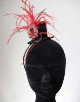 red and black mini top hat by yinco
