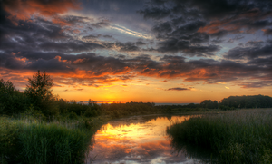 Reflect the sunrise by cs4pro