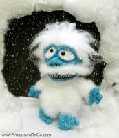 Bumble Abominable Snow Monster Amigurumi Film by sojala