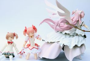 Stages Of Madoka by Yami-Usagi