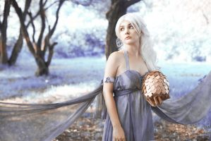 Daenerys Violet Eyes by FallFox