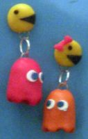 Pac-Man Earrings by estranged-illusions