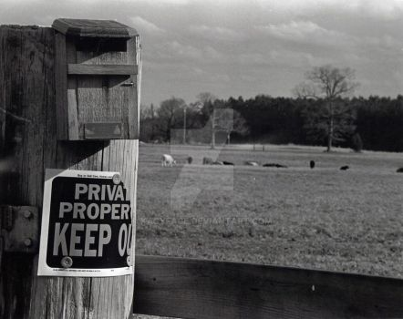 Keep Out by kacyface