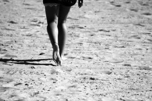 she who walks the sand by fotomademoiselle