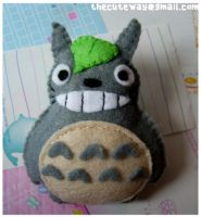.:Totoro brooch:. by SaMtRoNiKa