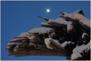Around the city_ The moon discovers the Art by marcfaster