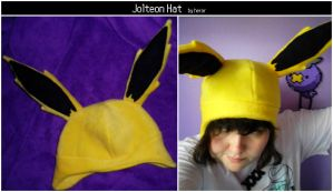 Jolteon Hat by SmileAndLead