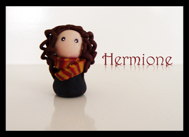 Hermione by CookieCraft