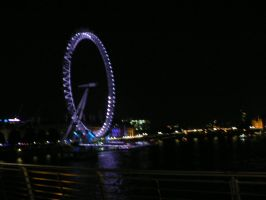 the london eye at night by Mysteriouspizza