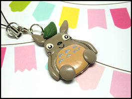 Totoro Mobile Strap by GrandmaThunderpants