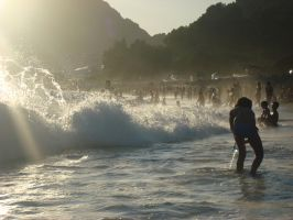 waves in Sutomore by JovanR