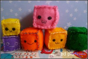 Cubed plushies by Tammyyy