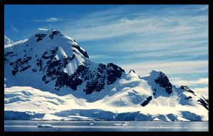 Antarctic Mountains by ConcreteDonkey