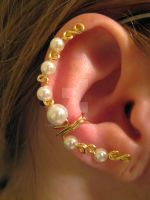 Ear Cuff-Gold Curls and Pearls by Dracoluna