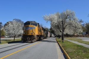 UP 4913 on 155 by Joseph-W-Johns